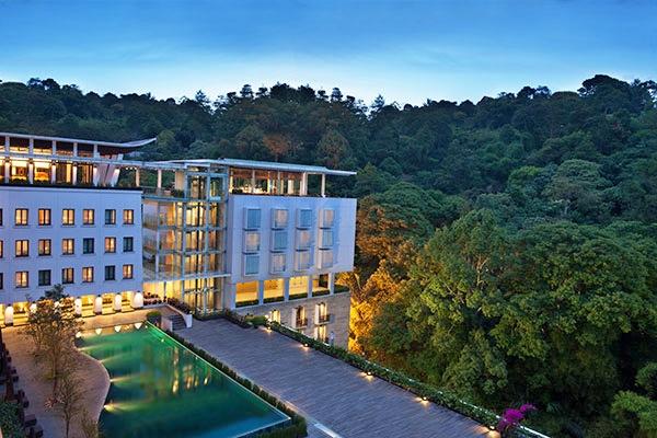 ジャカルタ発バンドン旅行おすすめホテル