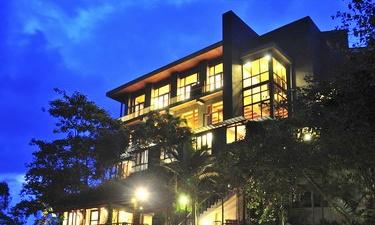 ジャカルタ発バンドゥン旅行おすすめホテル