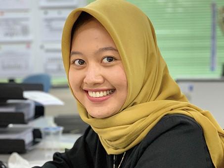 インドネシア、ジャカルタでコロナ問題を自動車部品販売会社事務員にインタビュー