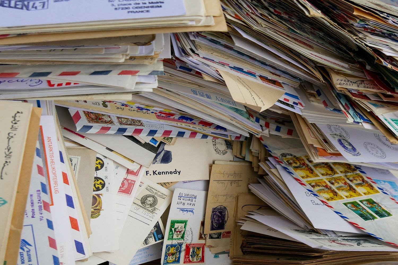 インドネシアの郵便、国際宅配